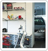 Półki do garażu, kosze i stojaki, uchwyty na narzędzia.
